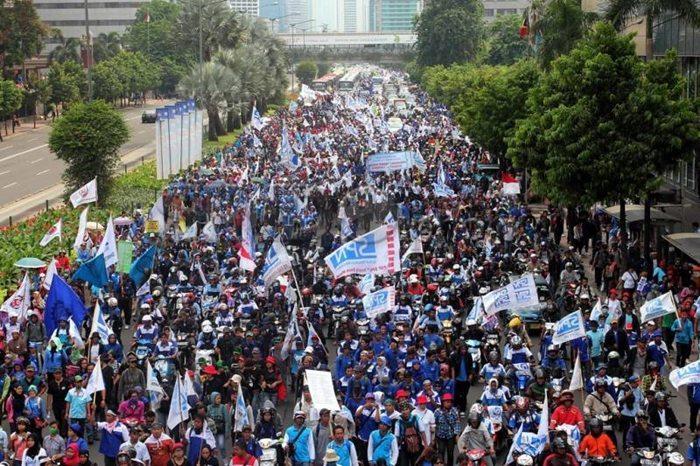 Demo Buruh  Besar-besaran 1 September, Pangdam Jaya: Besok Mal akan Dijaga Tentara