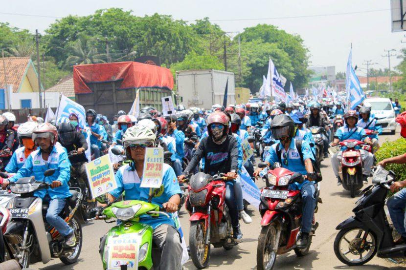 ribuan-buruh-banten-berunjuk-rasa-di-kp3b-spn-news-7
