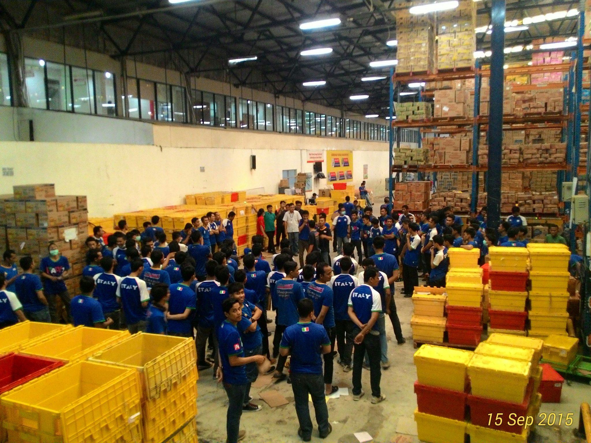 Aksi mogok kerja di PT Sumber Alfaria Trijaya Tbk