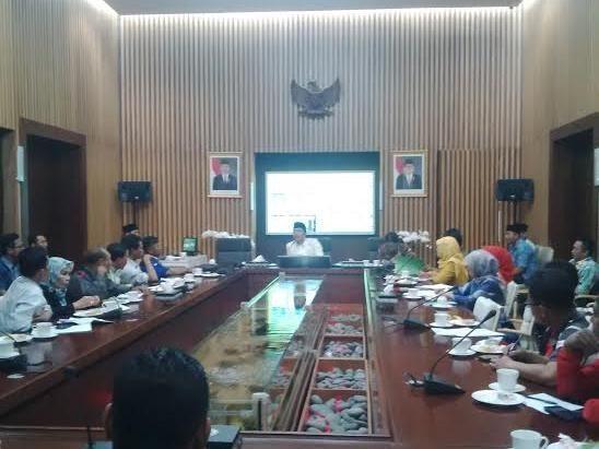 Temui Ridwan Kamil, Buruh Minta Penetapan PP No 78 di Bandung Ditunda
