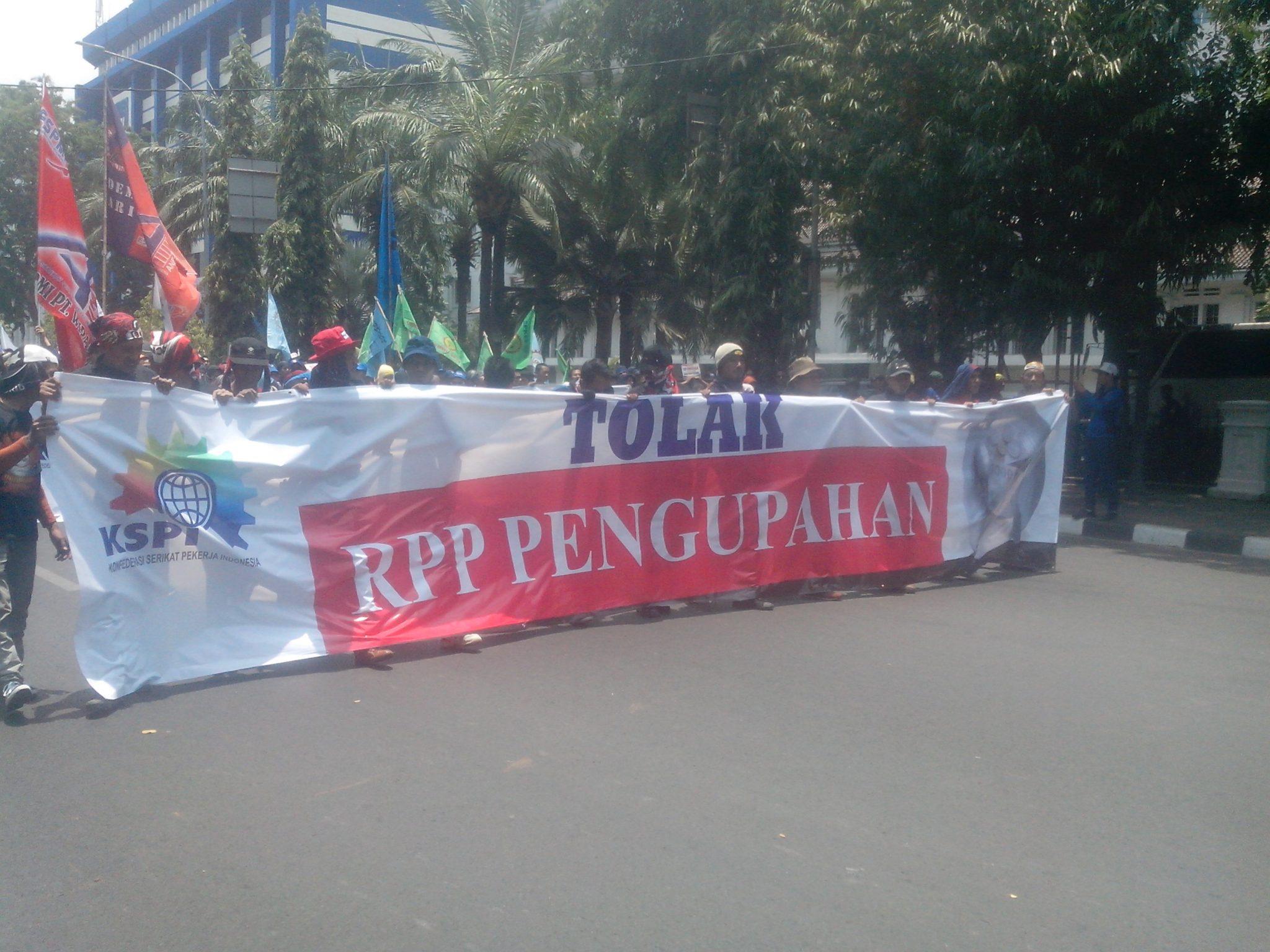 Aksi Penolakan RPP Pengupahan