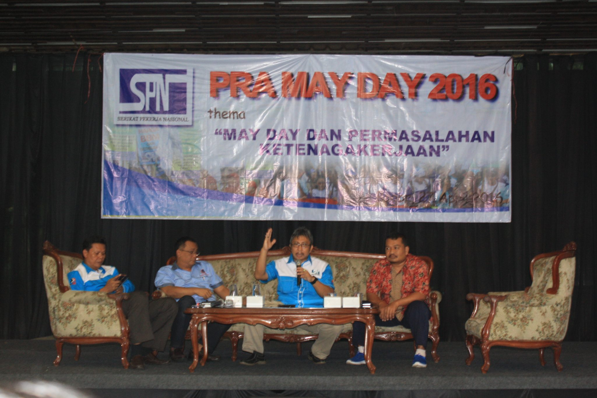 DIALOG PUBLIK PRA MAY DAY