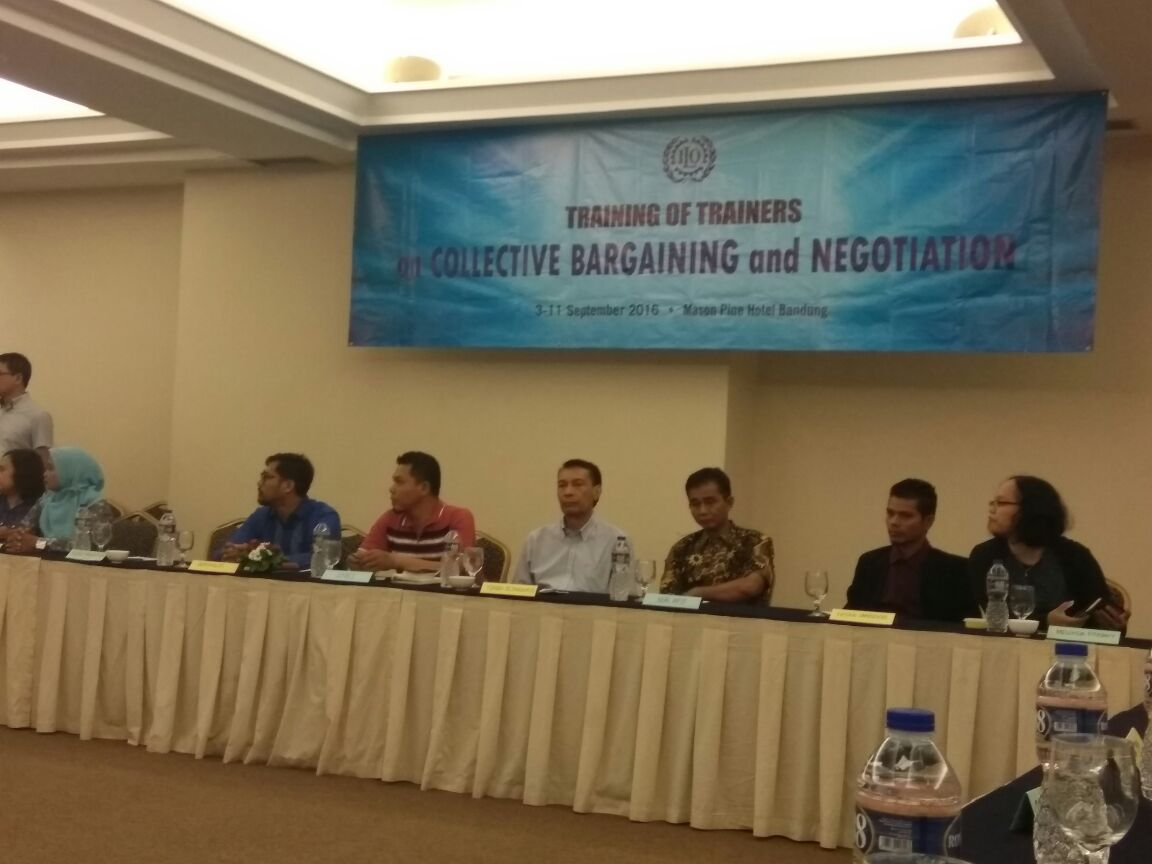 TRAINING OF TRAINERS ON WELL-INFORMED COLLECTIVE BERGAINING