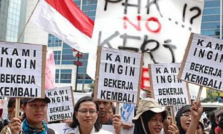 """""""HANYA 9.822 PEKERJA DI PHK SEPANJANG 2017"""""""
