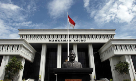 M SYAHID MENGGUGAT PT POU CHEN INDONESIA DENGAN PENINJAUAN KEMBALI