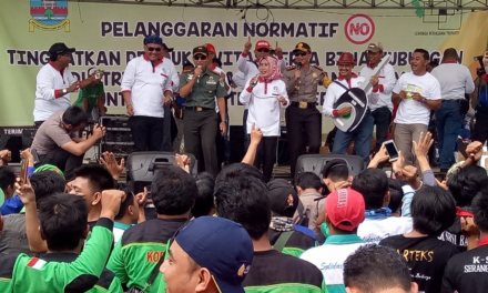 RATUSAN BURUH DIPHK KADISNAKERTRANS KAB SERANG MERAYAKAN MAY DAY IS FUNDAY